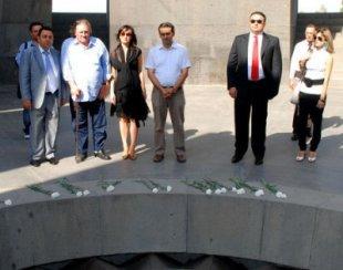 Жерар Депардье почтил память жертв Геноцида армян